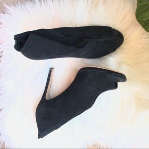 Amazing Vince Camuto Suede Booties
